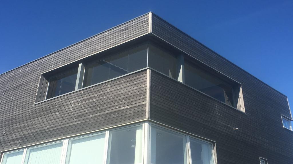 Renson Algarve Roof overdækket terrasse med foldeglas i siderne