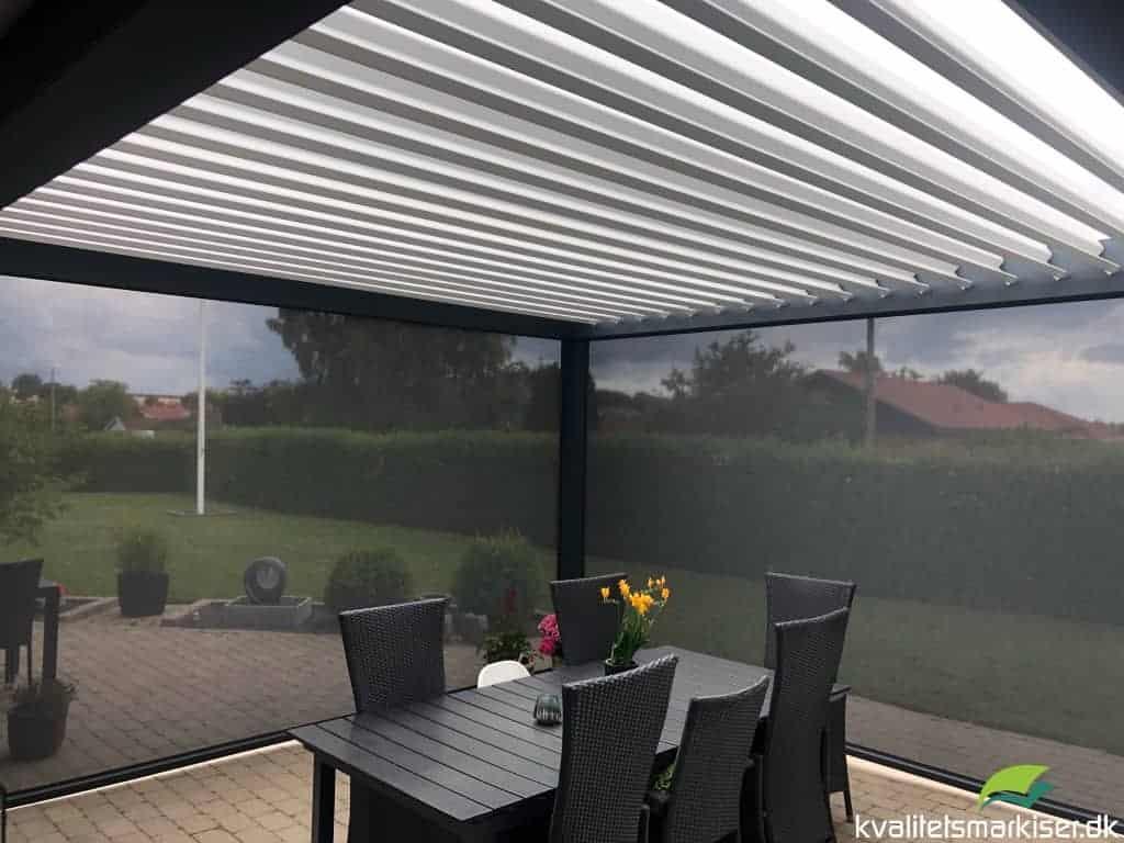 Overdækket terrasse med Renson Camargue pergola