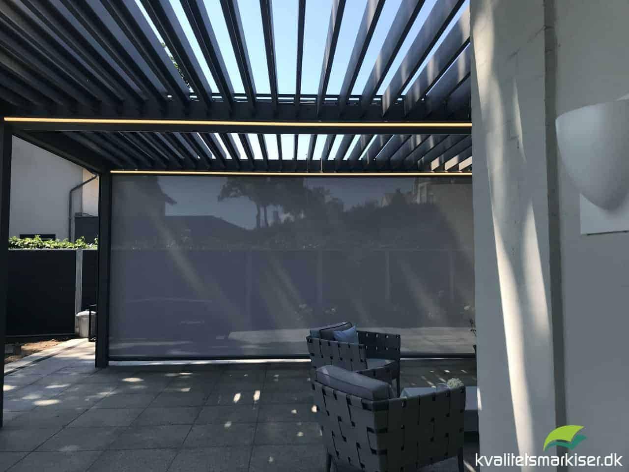 Dobbelt Renson Camargue Pergola med Fixscreens og LED-belysning