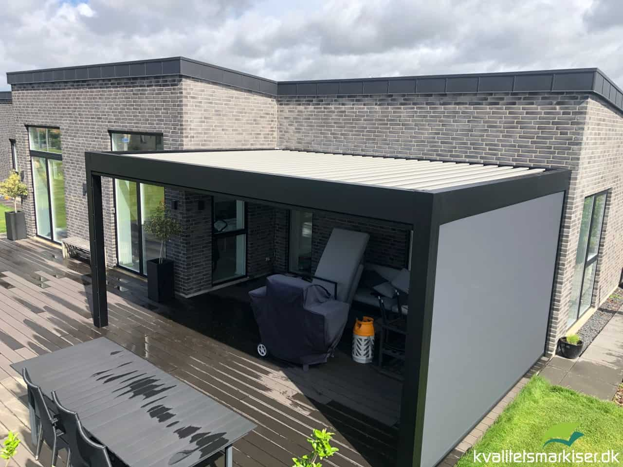 Renson Camargue lameltag til hus med ensidig taghældning i Galten, Jylland